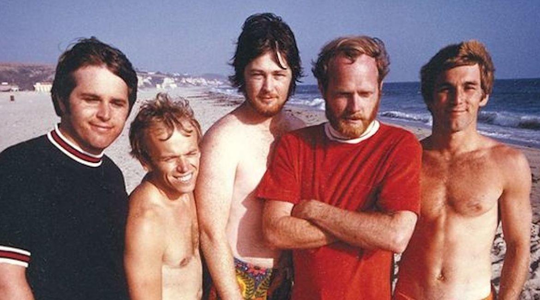 Beach-Boys-1967-with-brian-1_opt